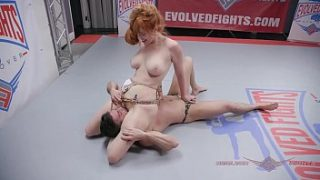 Lauren Phillips Anal Ficken nach Mixed Nude Wrestling Fight